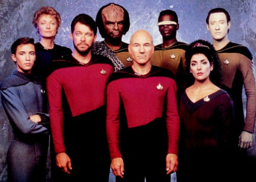 Cast photo for ST:TNG Season 2